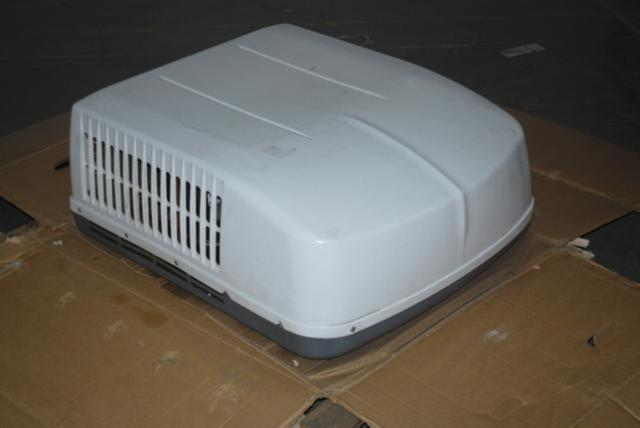 Dometic Brisk Air 13 500 Btu Roof Mount Rv Air Conditioner