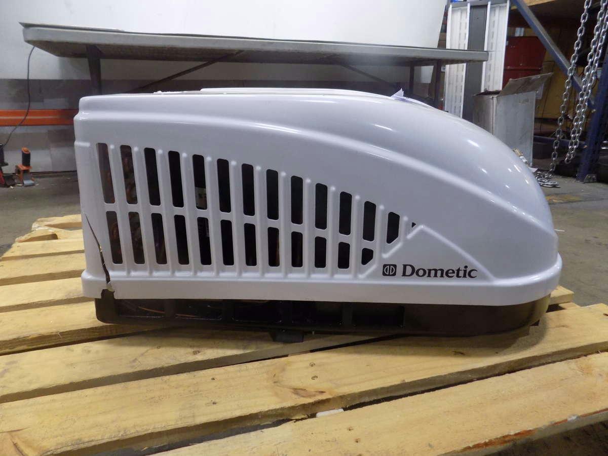 Dometic 15 000 Btu Brisk-2 Rv Rooftop Air Conditioner
