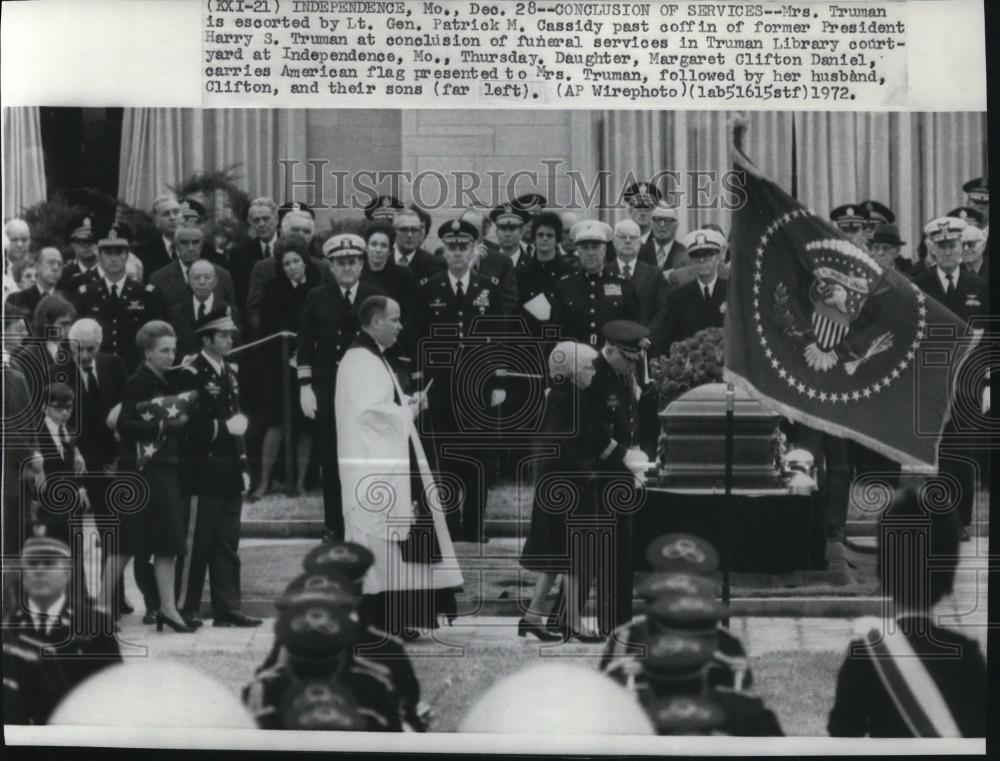 1972 Press Photo Funeral services for ex-President Harry ... Harry Truman Funeral 1972