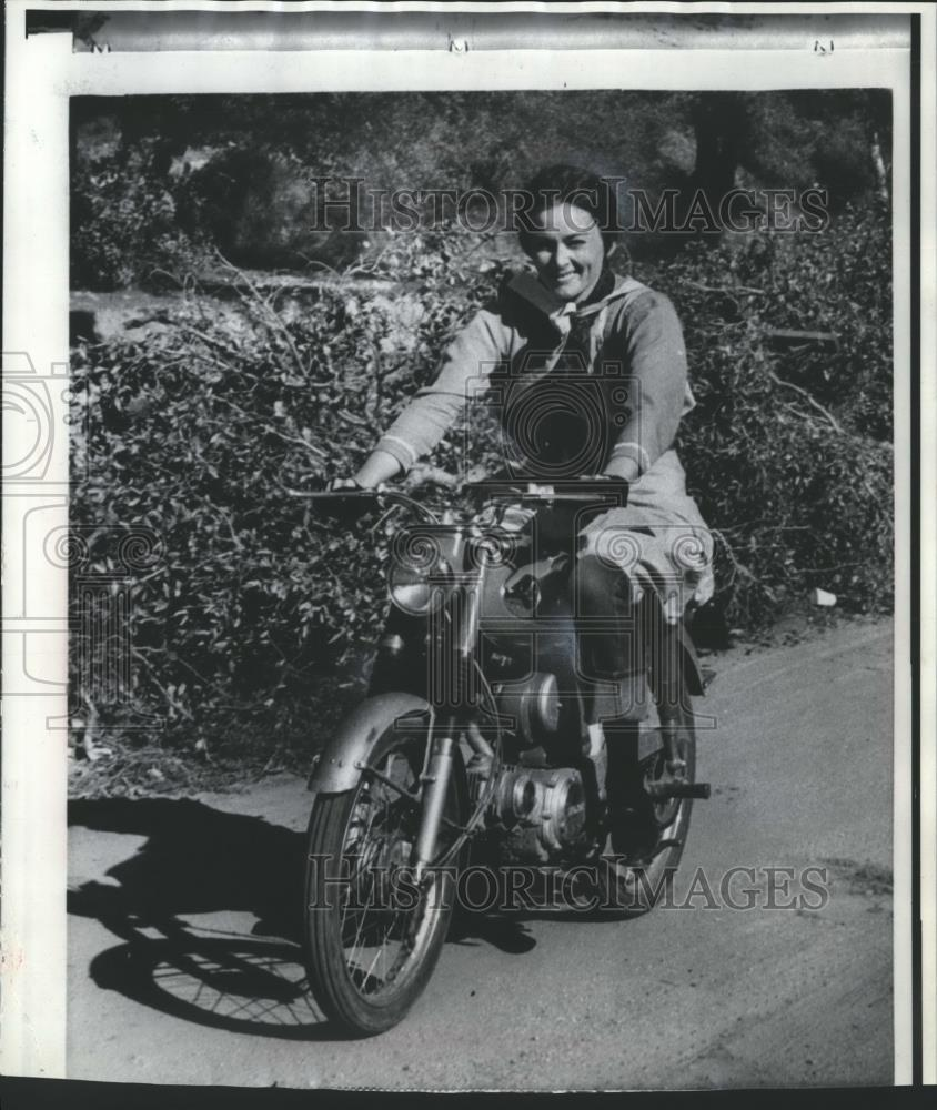 1969 Foto de prensa Deidre Flynn en una escena de la Reivers