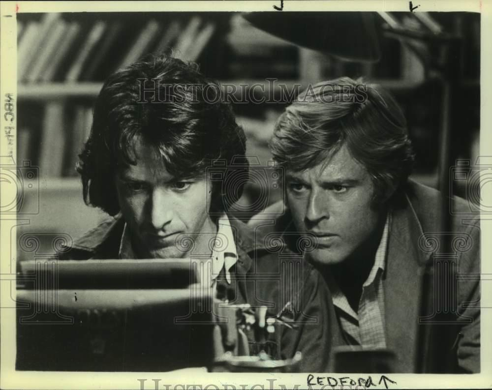 1983-Press-Photo-Actors-Dustin-Hoffman-and-Robert-Redford-star-in-NBC-show