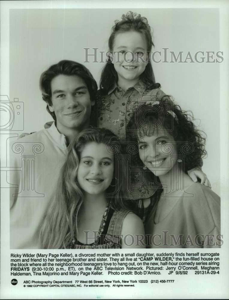 "1992 Press Photo Cast Of ""Camp Wilder,"" Airing On ABC"