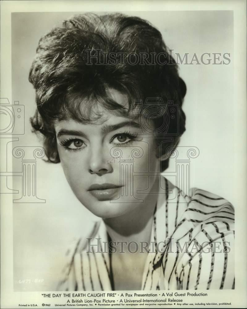 Watch Janet Munro video