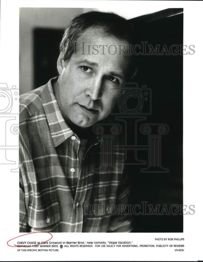 "Vegas Vacation Clark Griswold: 1997 Press Photo Chevy Chase As Clark Griswold In ""Vegas"