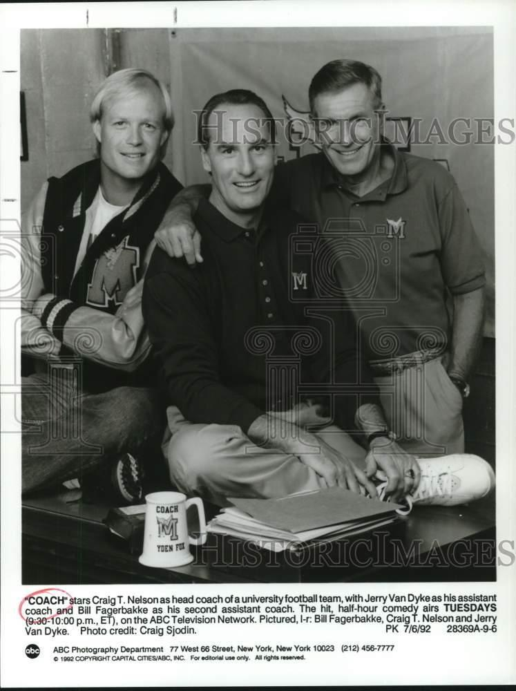 1992 Press Photo Craig T. Nelson And The Cast Of The