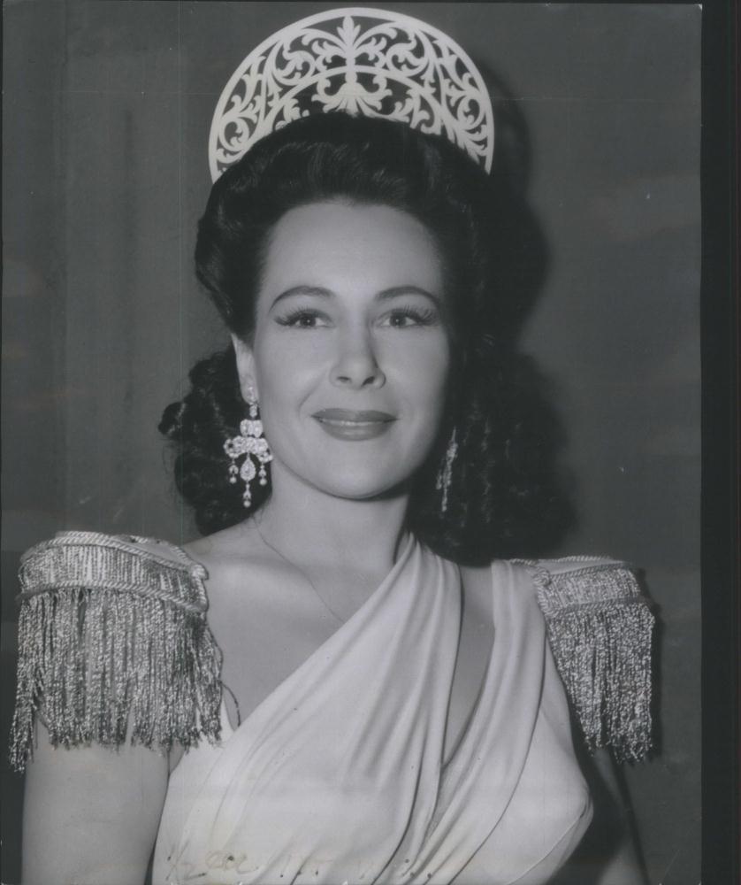 Corinna Mura