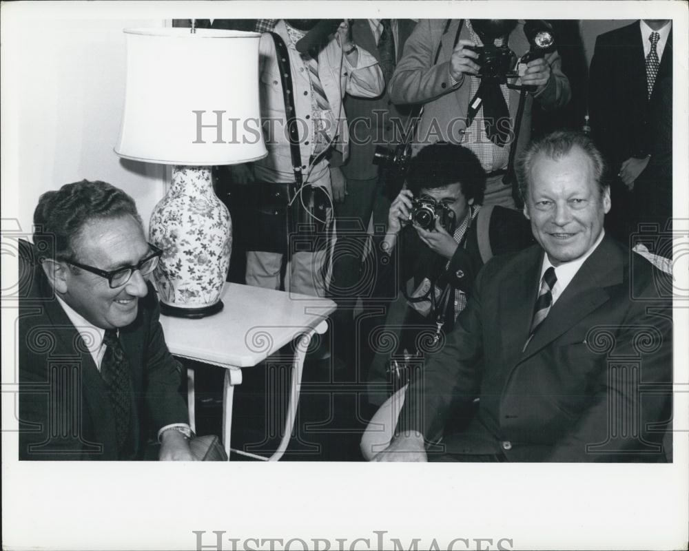 La injerencia americana y alemana en la transición española, el congreso de Suresnes (1974)