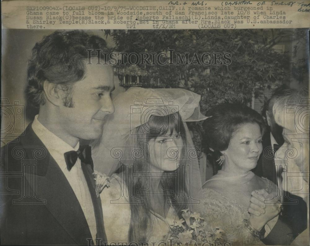 Linda Susan Black http://ebay.com/itm/1975-Press-Photo-Roberto-Frllaschi-Linda-Susan-Black-Wedding-/251124424055