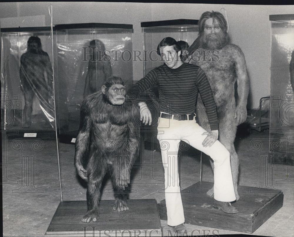 johnny-crawford-naked-ape