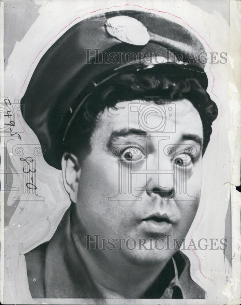... Press Photo Jackie Gleason as Ralph Kramden on The Honeymooners | eBay