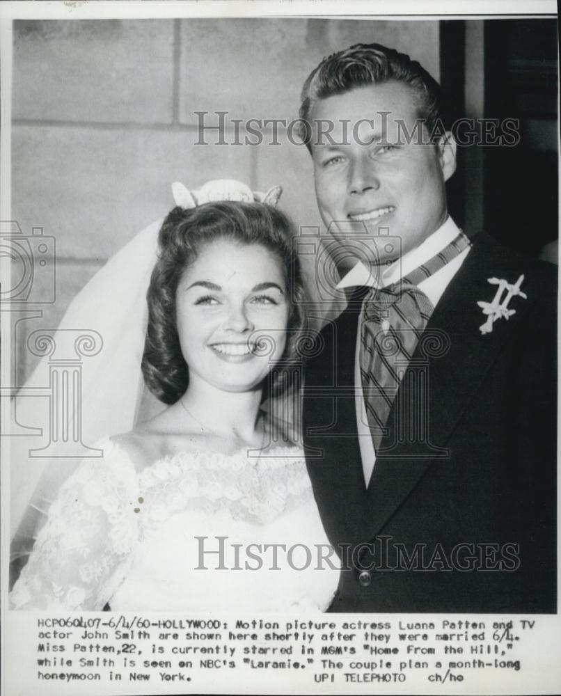 1960 Press Photo Actor John Smith Marries Actress Luana Patten