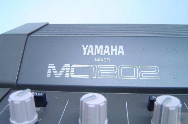 yamaha mc1202 12 channel audio mixing console