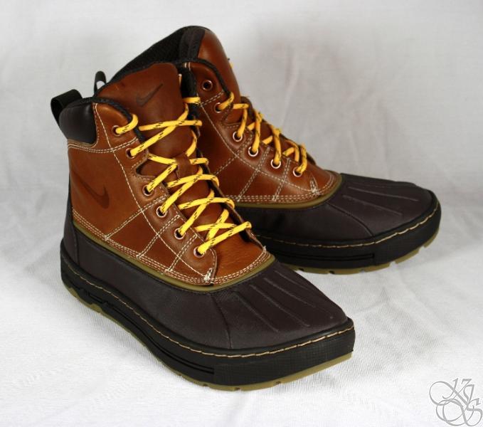 nike woodside light hiking duck boots mens