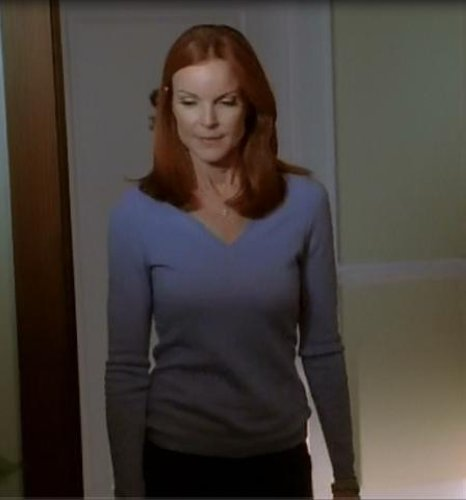 desperate housewives bree van de kamp screen worn sweater pants ep 711 ebay. Black Bedroom Furniture Sets. Home Design Ideas