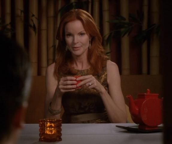 desperate housewives bree van de kamp screen worn ports dress episode 704. Black Bedroom Furniture Sets. Home Design Ideas