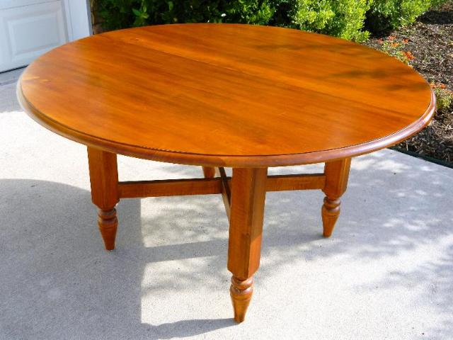 ethan allen county crossings collection cinnamon solid maple dining room table ebay. Black Bedroom Furniture Sets. Home Design Ideas