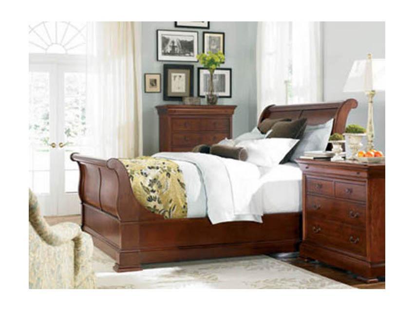 Thomasville Furniture King Street Cherry Sleigh Bed In