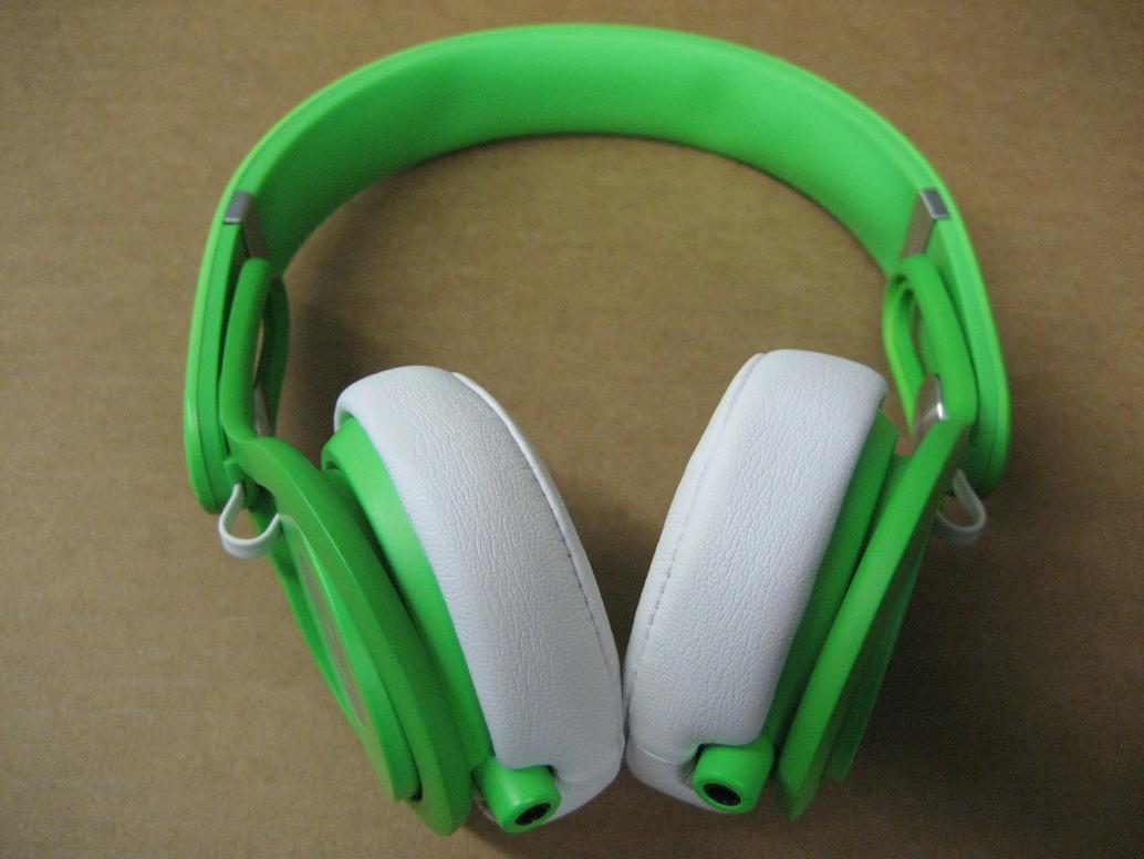 Neon Green LED Flashing Earphones - YouTube