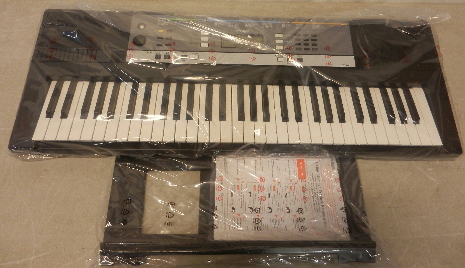 yamaha ypt 240 stand alone 61 key portable keyboard ebay. Black Bedroom Furniture Sets. Home Design Ideas