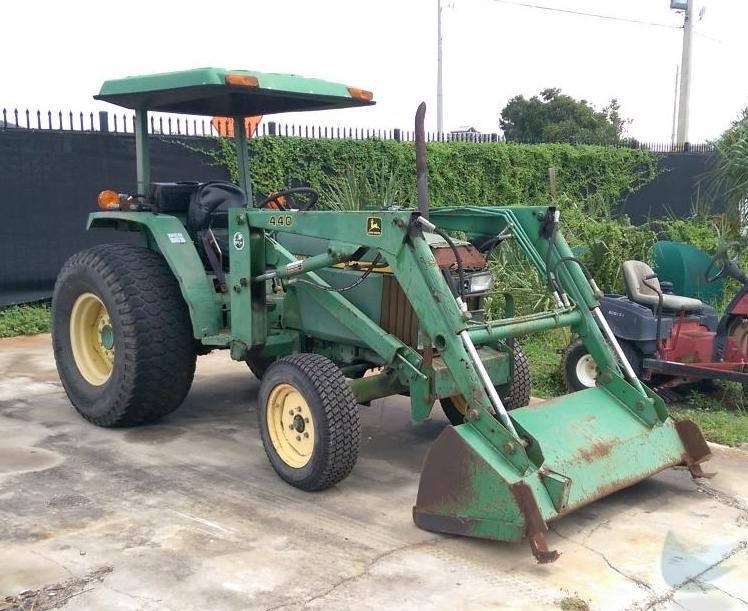 John Deere Bucket Attachments : John deere utility tractor with bucket