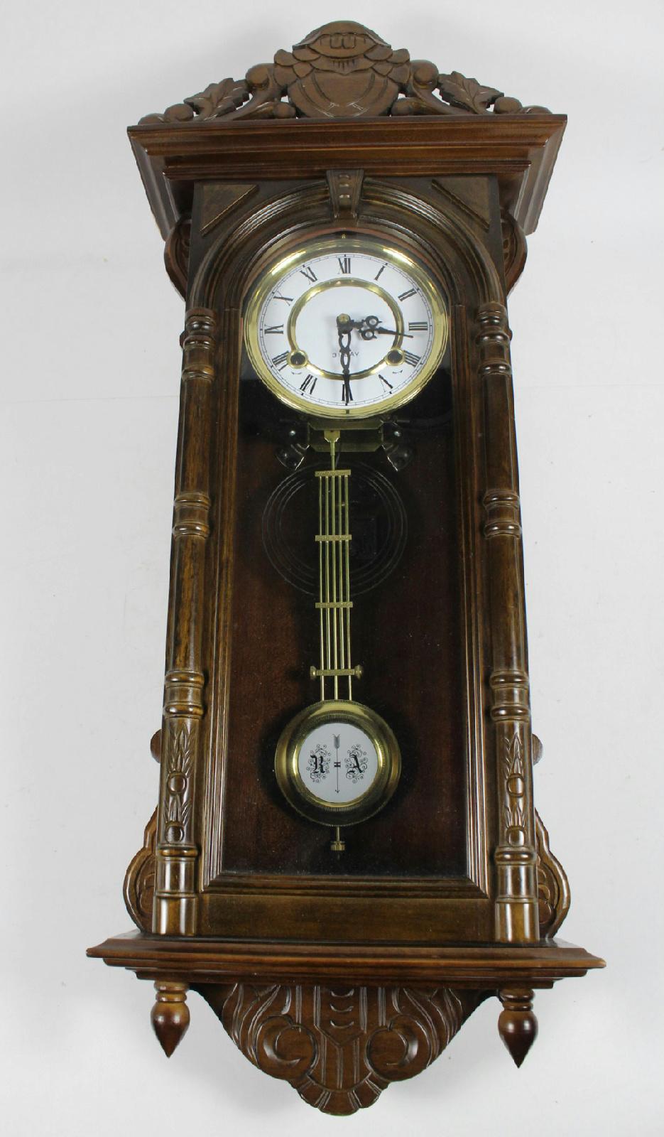 Vintage 31 Day Key Wind Mahogany Finish Dai Jin Clock Co