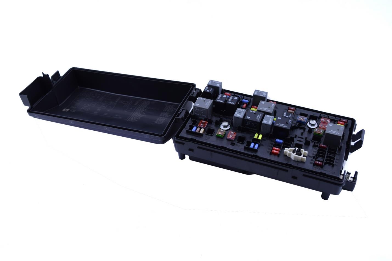 *NEW* GM Chevy 2012-2015 Camaro Engine Fuse Relay Box Block Loaded
