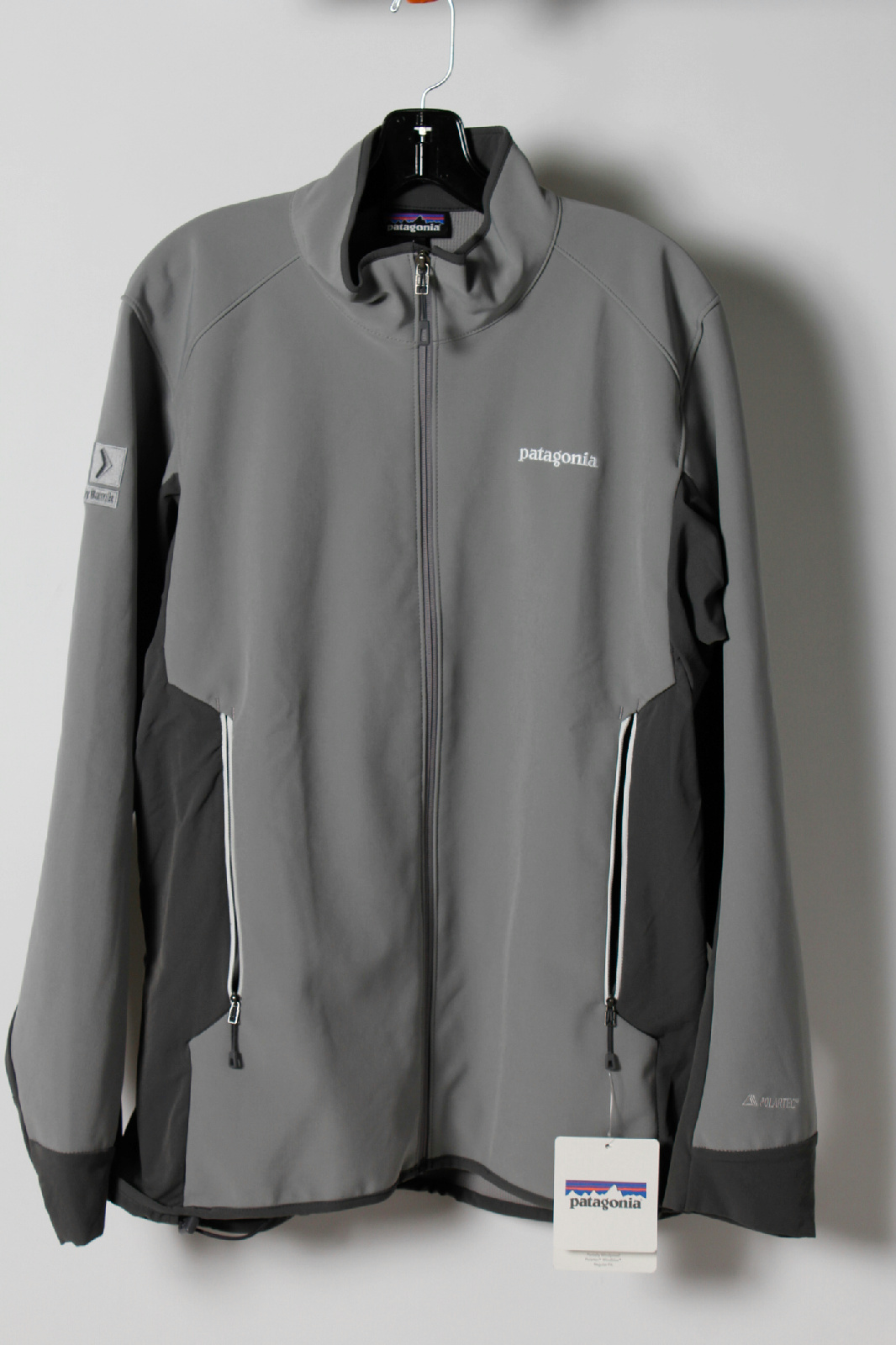 NWT Patagonia Two Tone Grey Zip Up Polartec Embroidered