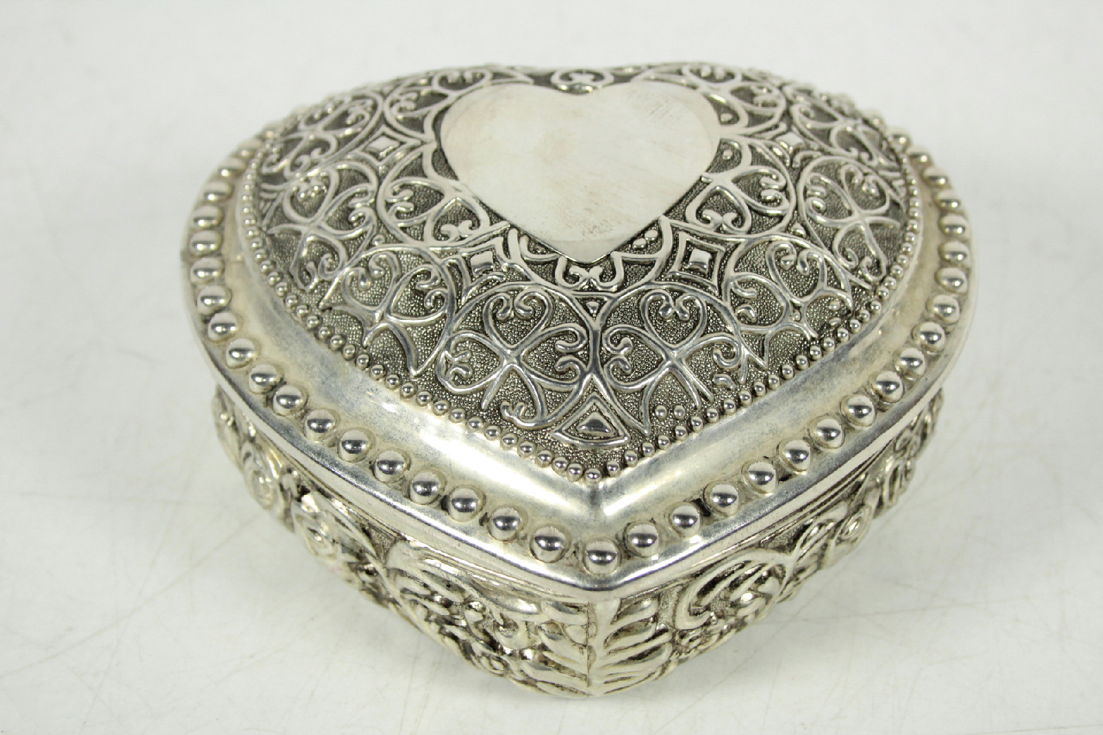 Vintage Heart Shaped Silver Tone Ornate Decorative Lined