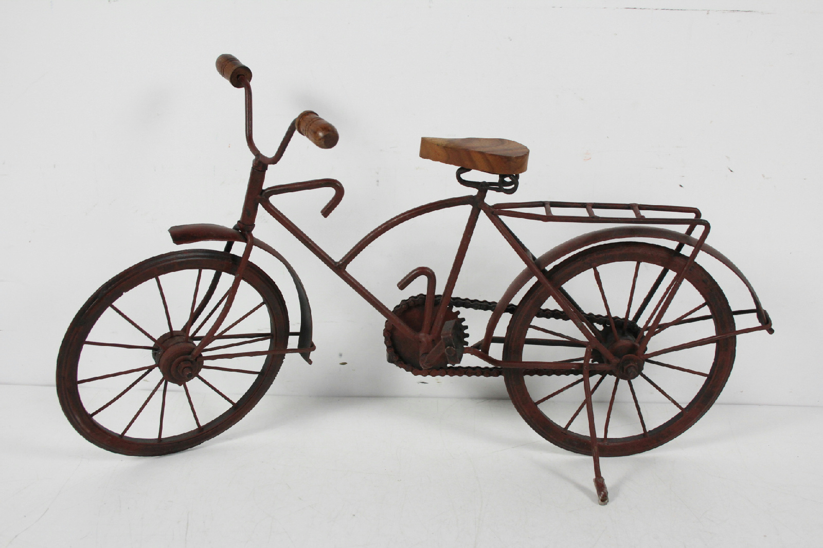 Vintage handmade large metal wood bicycle sculpture art for Bicycle decorations home