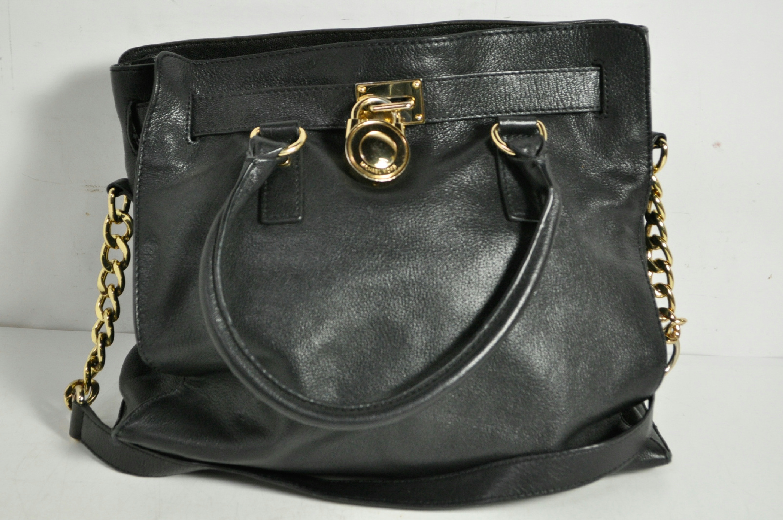 604585b53d8253 Michael Kors Black Leather Purse With Silver Hardware | Stanford ...