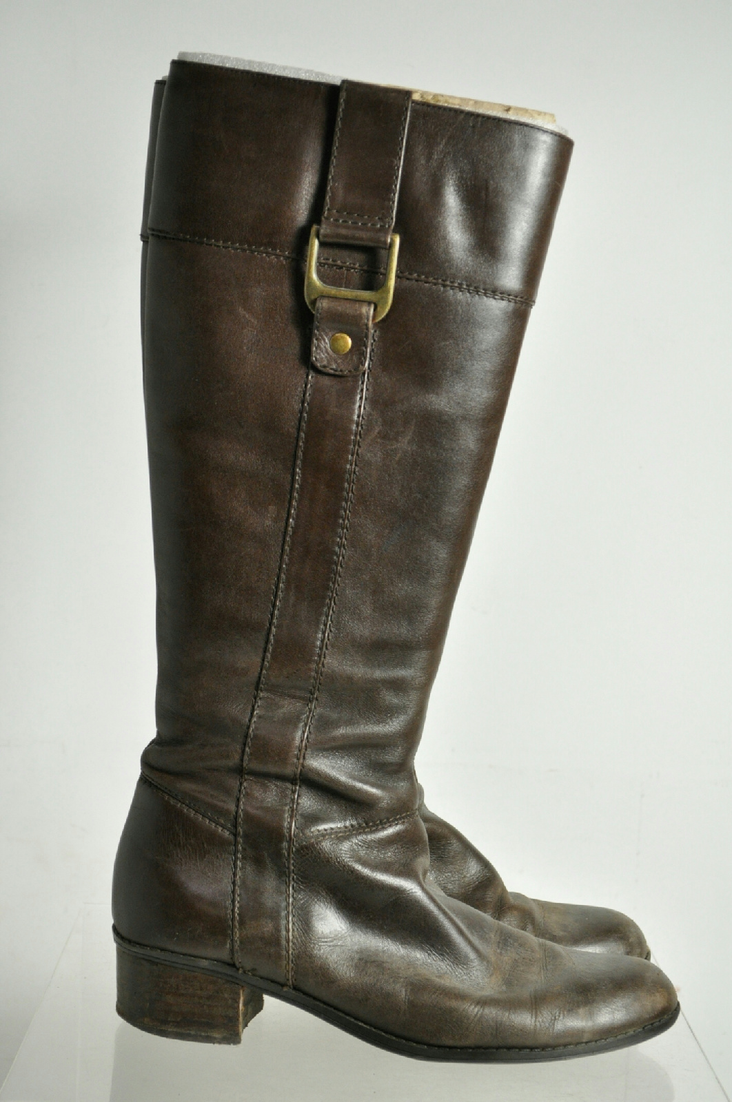 English Riding Boots Tall boots for ladies, men and kids. We also have paddock boots for just hacking around. Shires Equestrian Boot Care Kit. $ QUICK VIEW. FoxHuntingShop Kiwi Boot Polish. $ SALE. QUICK VIEW. Shires Equestrian Broadway Long Leather Boots .