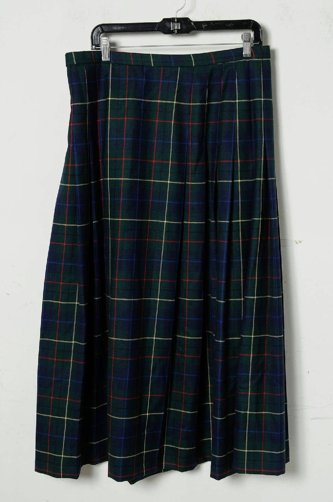 Our large selection of girl's plaid pleated skirts in multiple sizes are comfortable and essential for any school uniform. Shop at French Toast today!