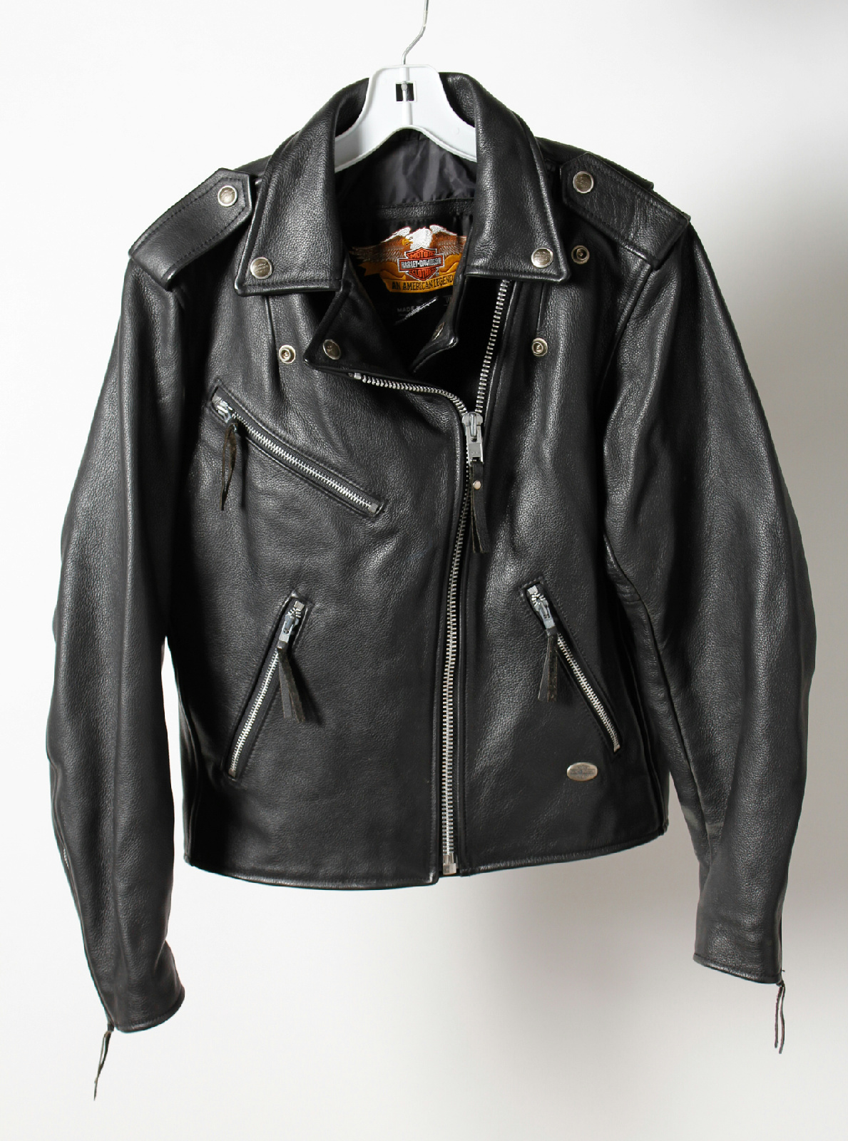 Leather jacket zippers
