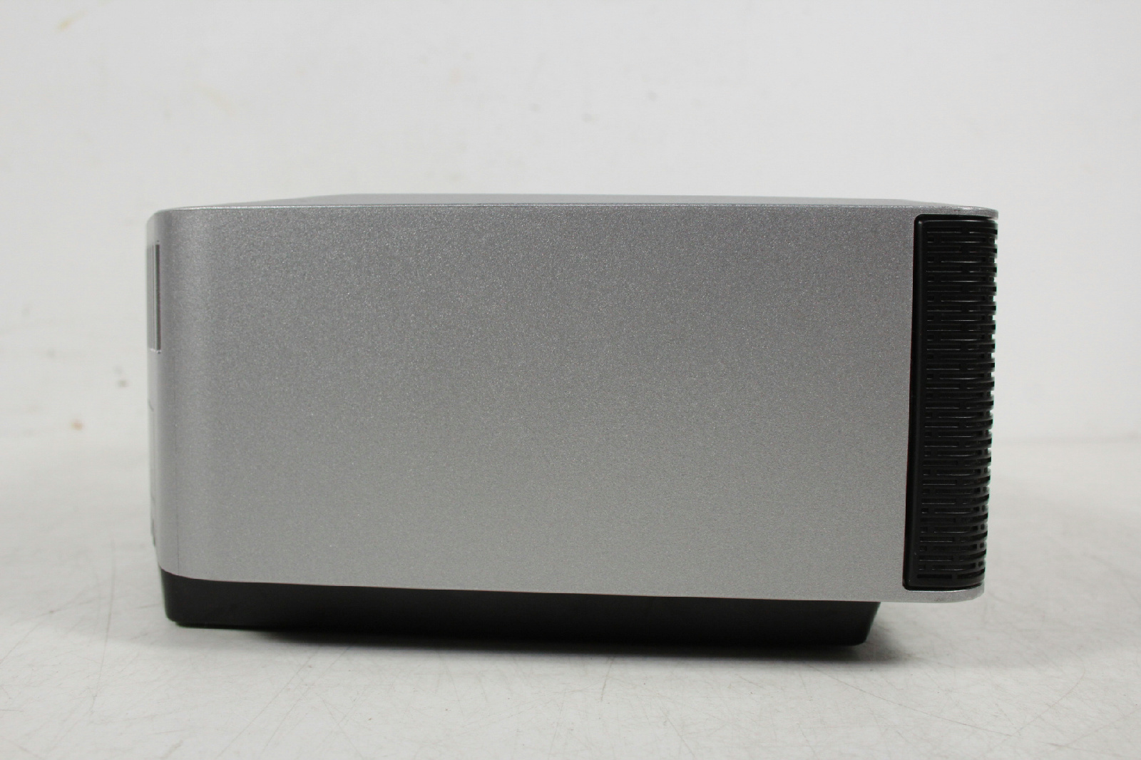 bose wave radio iv am fm alarm clock for parts or repair can power on. Black Bedroom Furniture Sets. Home Design Ideas