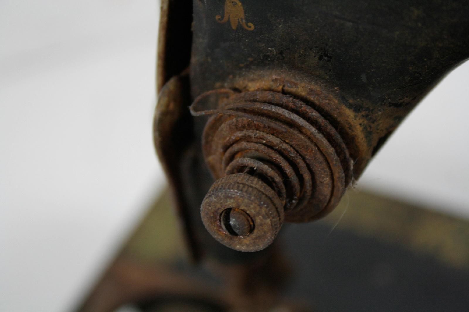 antique singer sewing machine repair