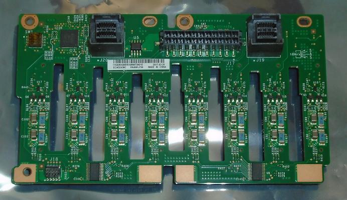 """8HDD 2.5/"""" Hot-Swap Backplane Kit x3650M5 00FJ756"""