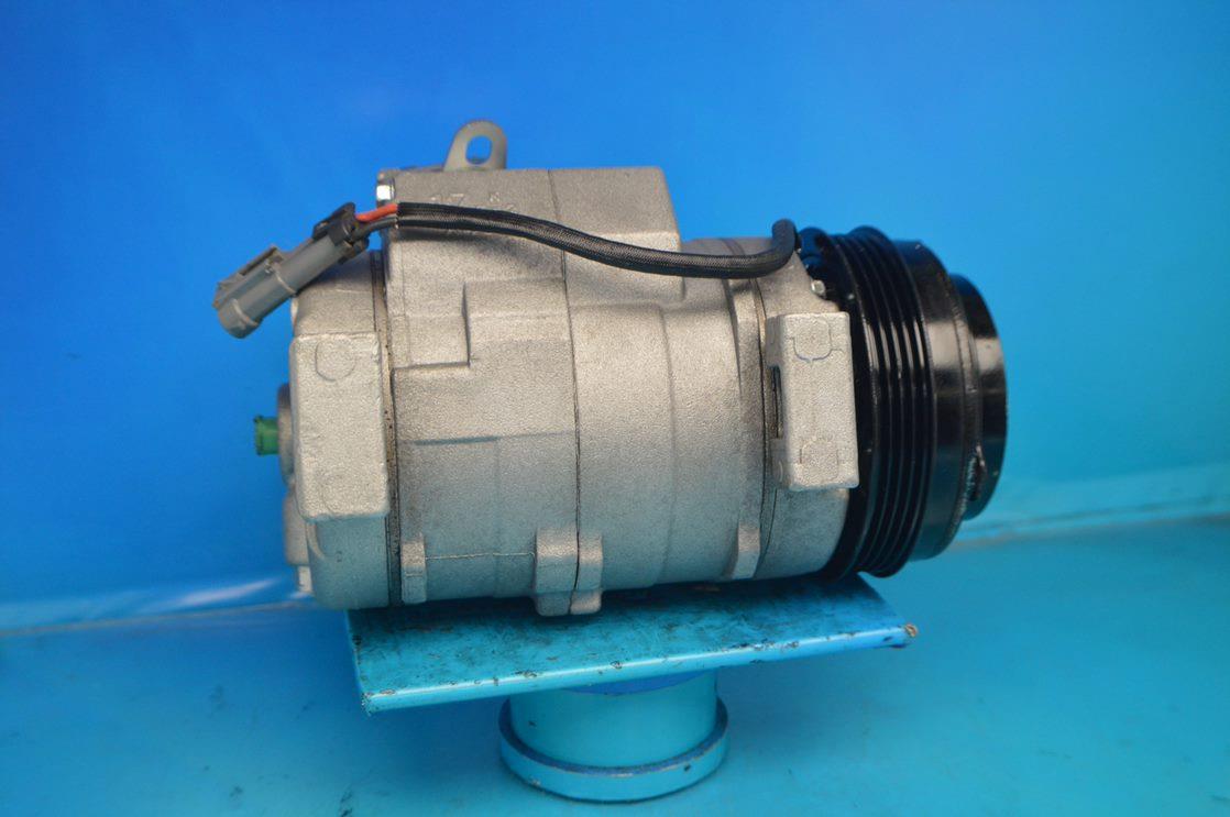 R57950 1YW AC Compressor Fits Cadillac Escalade Chevrolet GMC Isuzu