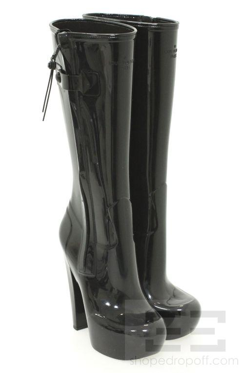 Rain boot fetish