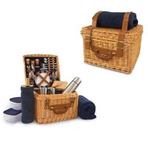 Porcelain plates, hand-blown wineglasses, stainless steel knives – this traditional British picnic basket is all you need when go hiking and camping.