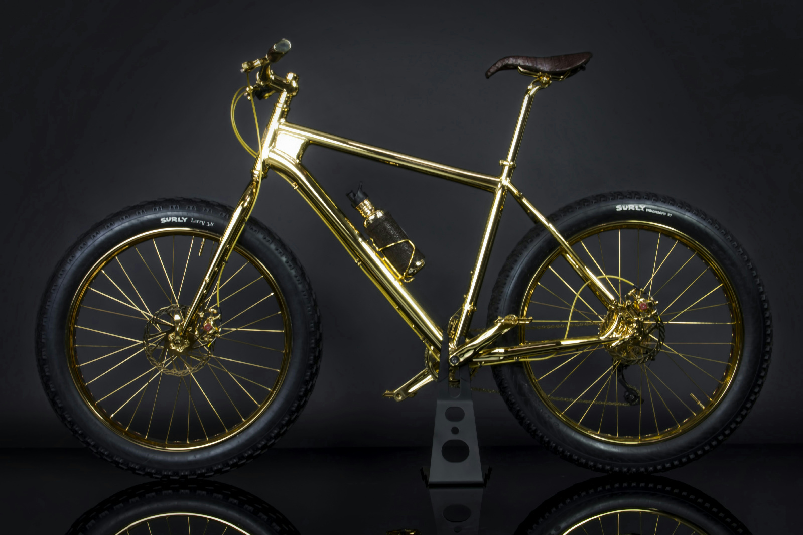 The Gold Bike The Worlds First 24k Gold Plated Quot Fat Tire