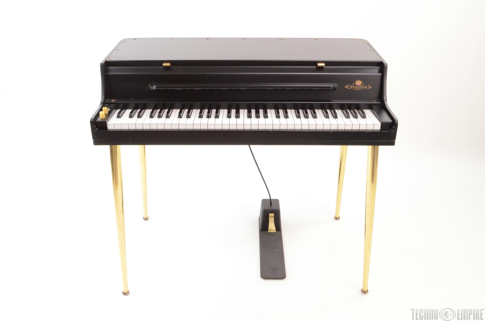 Vintage Wurlitzer Piano 90