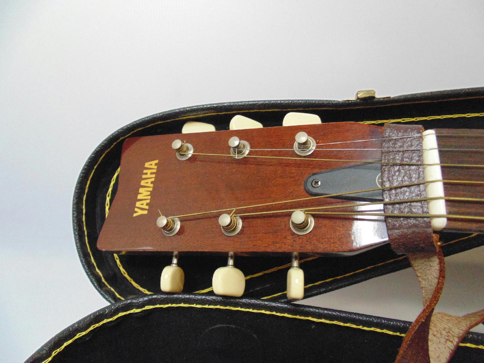 Yamaha fg 325 acoustic guitar w case ebay for Yamaha acoustic guitar ebay