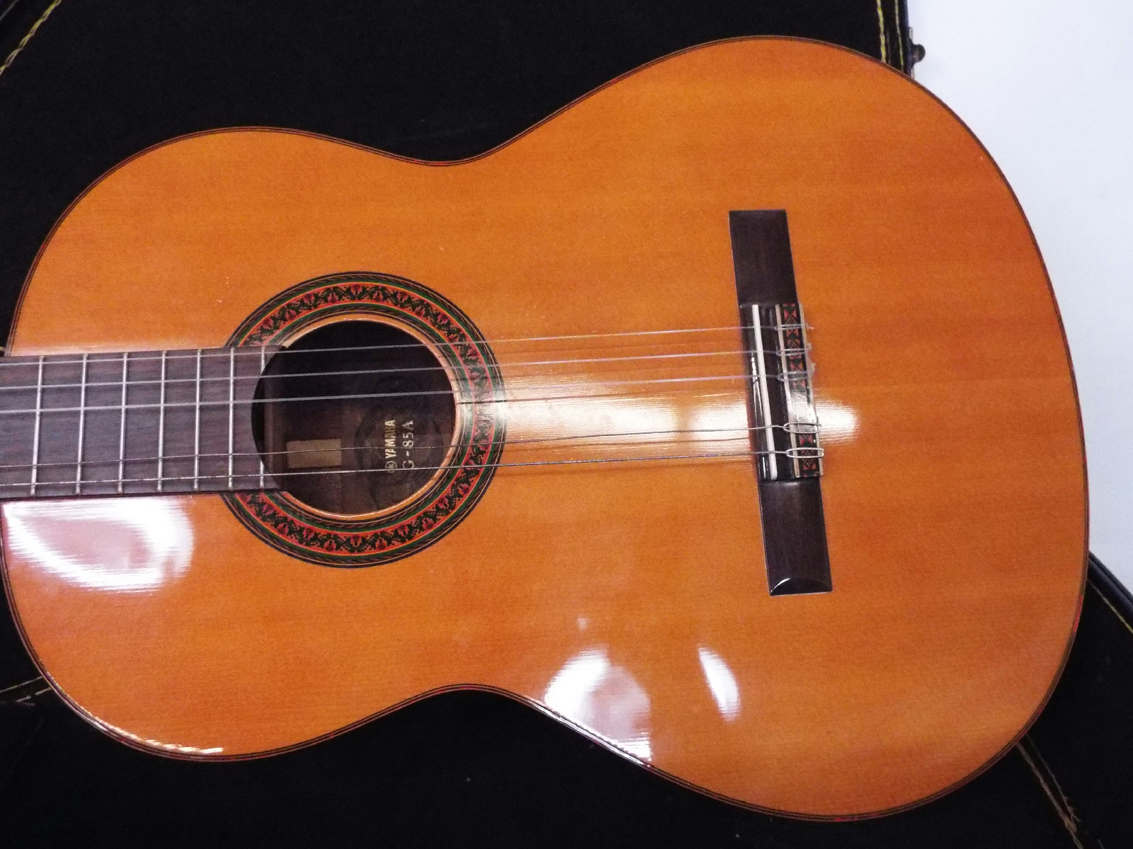 Yamaha acoustic guitar g 85a with hard case book ebay for Yamaha acoustic guitar ebay