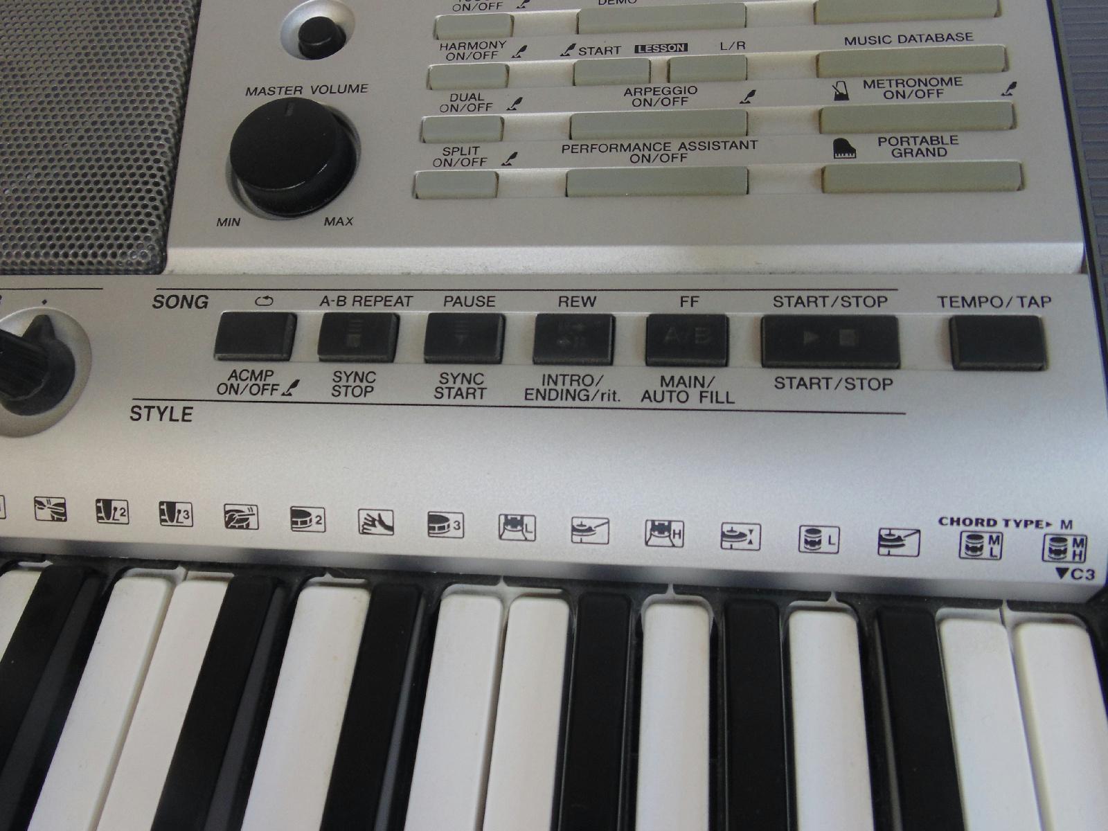 yamaha electronic portable keyboard psr e403 5 octaves. Black Bedroom Furniture Sets. Home Design Ideas