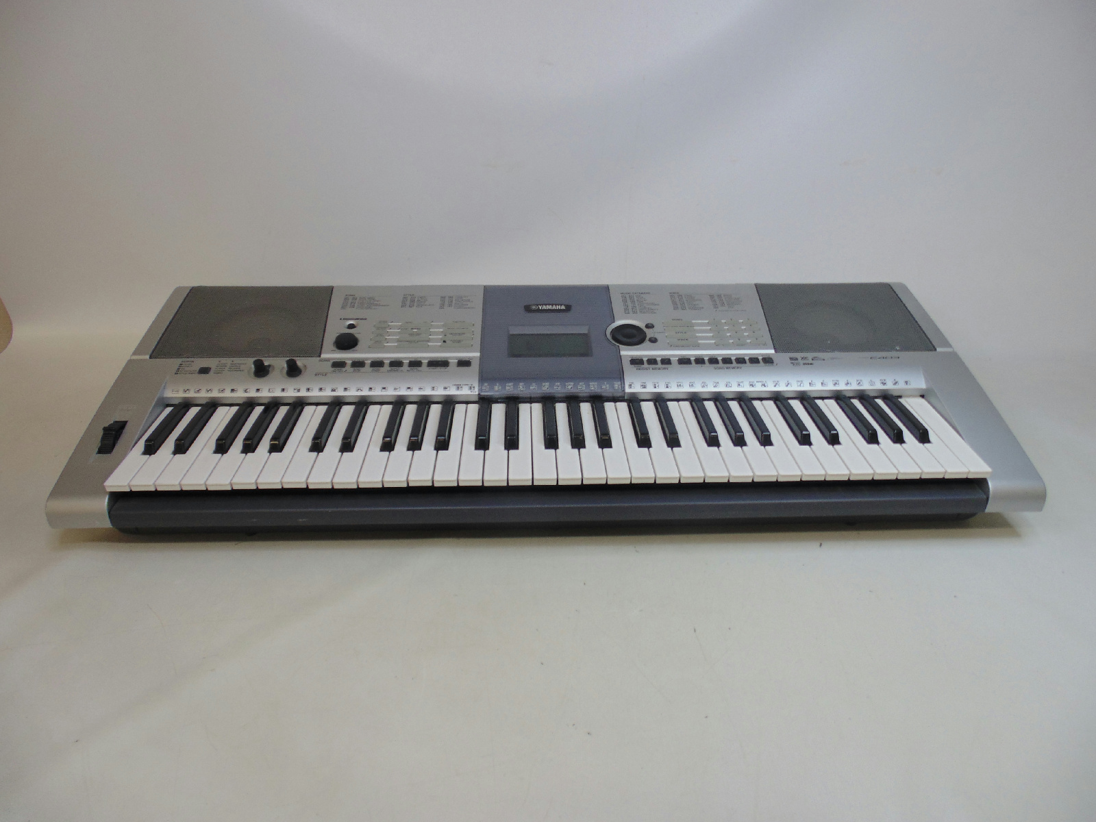 Yamaha electronic portable keyboard psr e403 5 octaves works ebay for Yamaha 3 octave keyboard