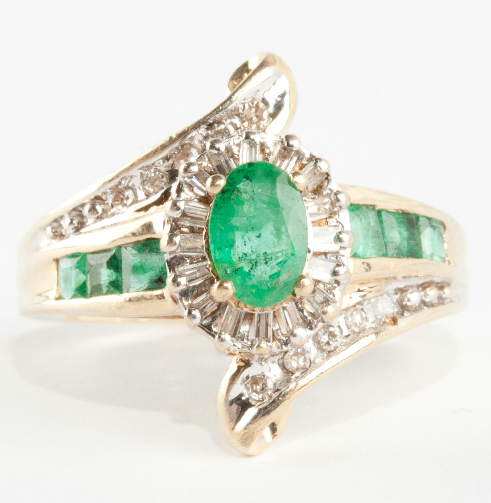 Ladies 10k Yellow Gold Oval Cut Emerald & Diamond Cocktail
