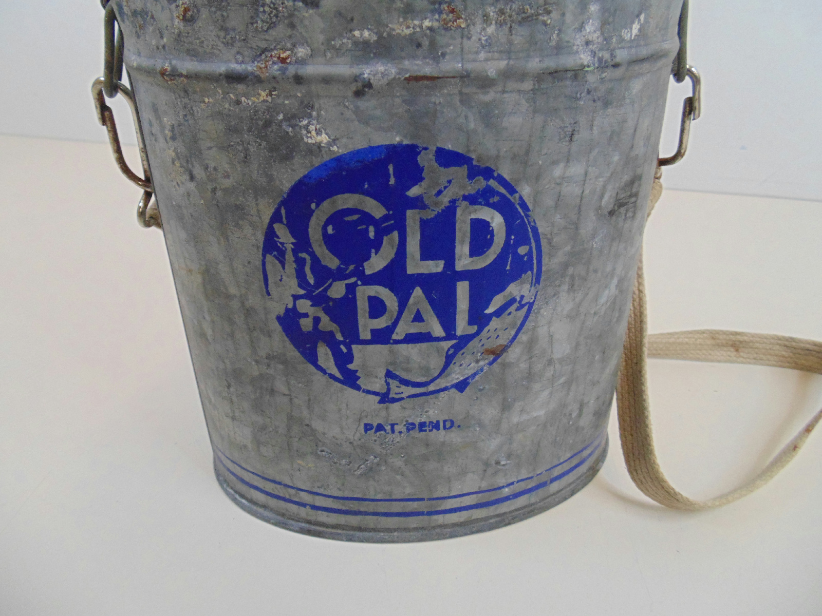 Details about Vintage Old Pal Bait Bucket Can Pail Worms Fishing Gear