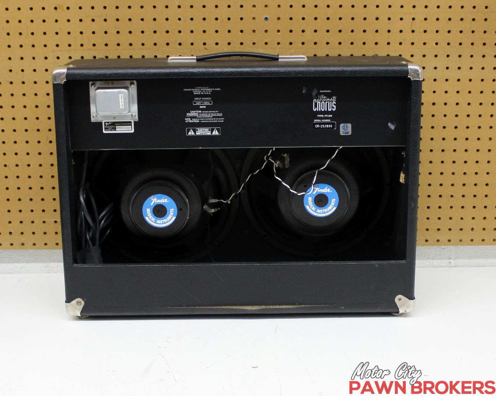 fender ultimate chorus 130w 2 x 12 electric guitar combo amplifier. Black Bedroom Furniture Sets. Home Design Ideas