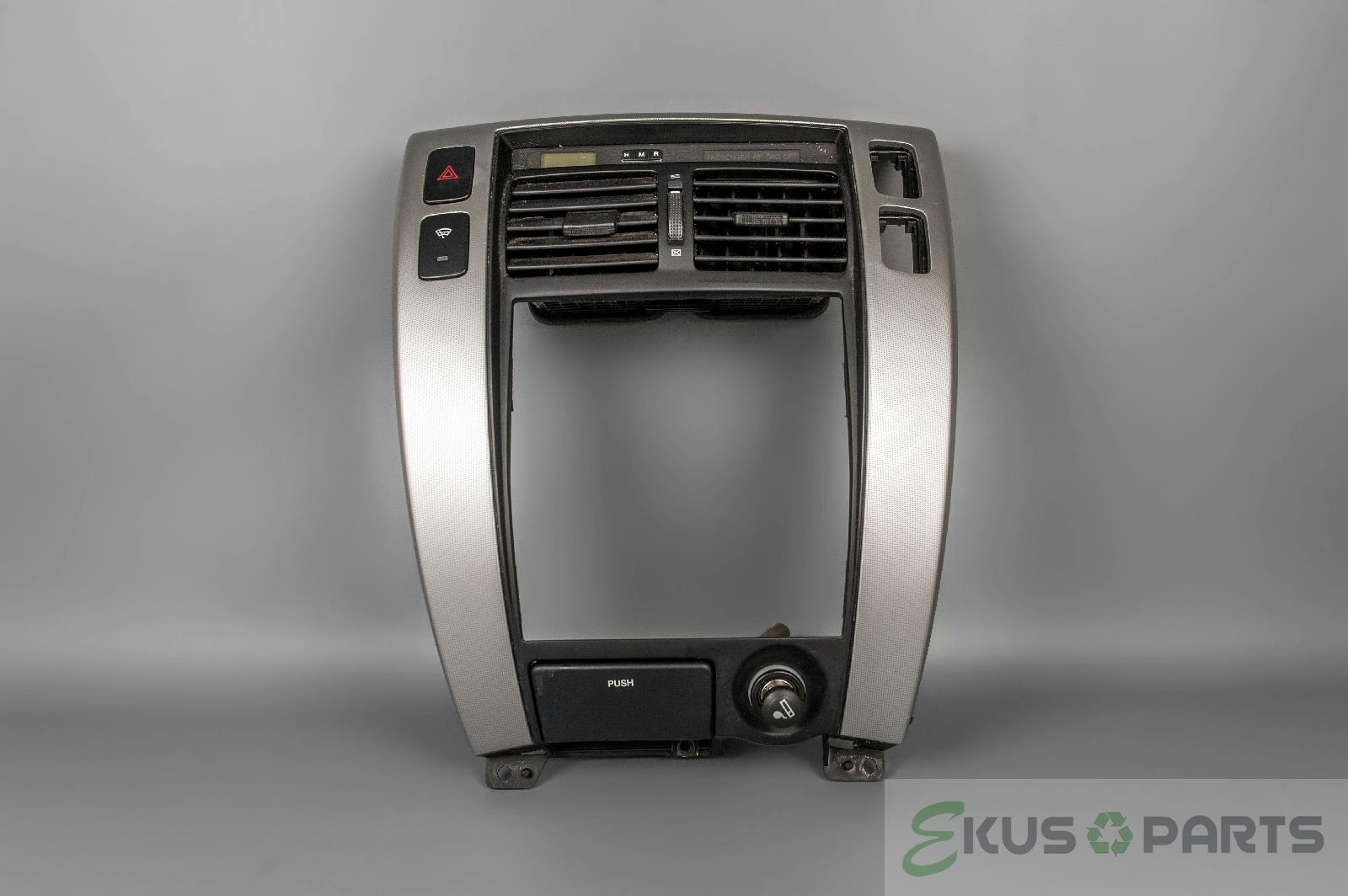 2007 hyundai tucson radio climate dash trim bezel with. Black Bedroom Furniture Sets. Home Design Ideas
