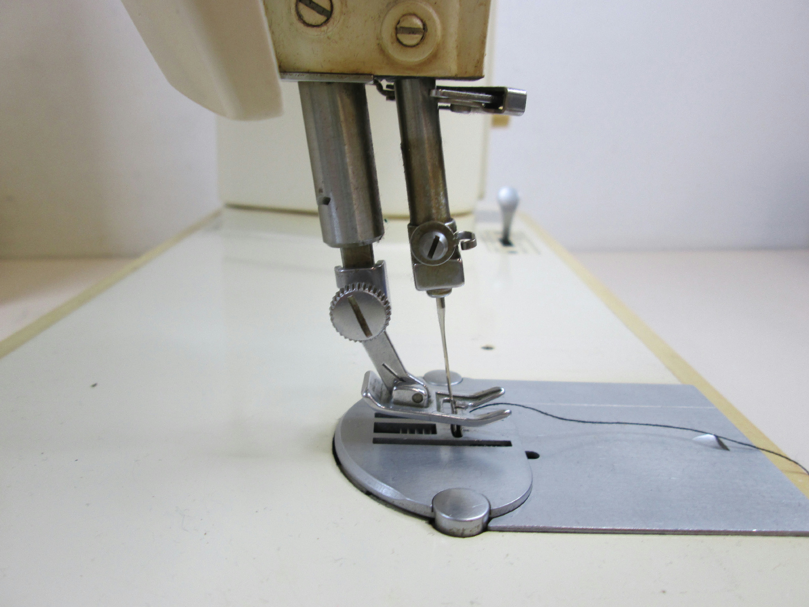 singer vintage electric sewing jpg 1500x1000